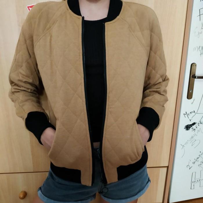 Woman's jacket bershka size small light brown colour. Photo 2