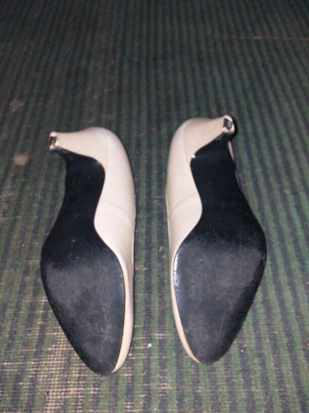 Женские туфли белые 3 ман а чёрные 2 ман. Photo 2