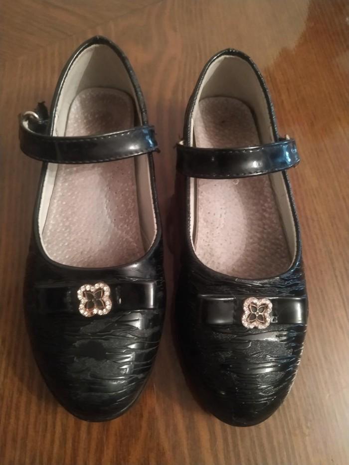 Туфли для девочек школьные Царица 29размер в хорошем состоянии. Photo 0