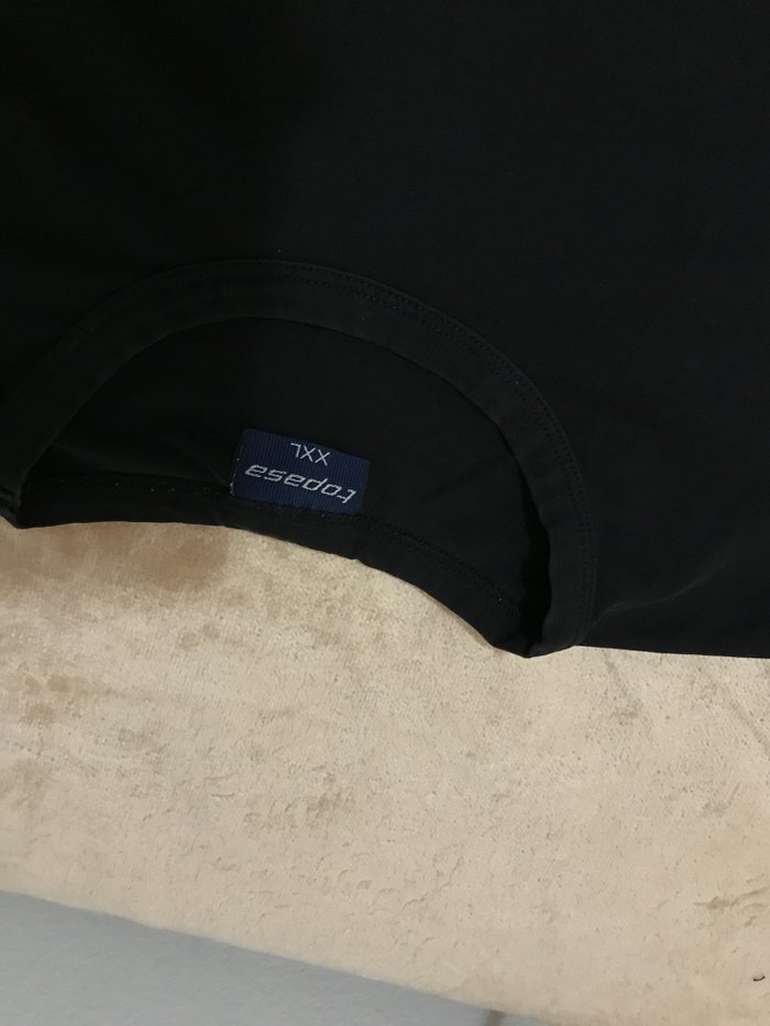 Muska crna majica na duge rukave Koga ibteresuje saljem dimenzije - Nis