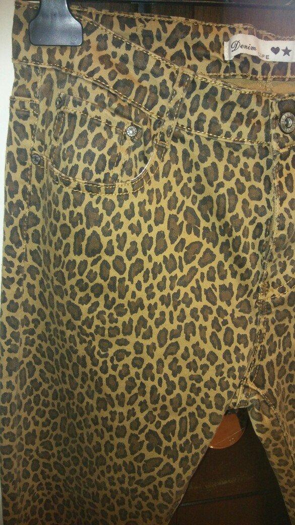 Παντελονι τζιν λεοπαρ ολοκαινουριο με το καρτελακι ελαστικο κανονικη μ. Photo 4