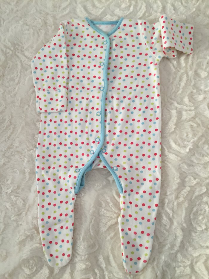 3 babygrows. 0-3 months. Excellent condition.. Photo 1