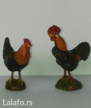 Za kolekcionare ,figura petla (7cm ) i kokoške(5cm) od pečene gline