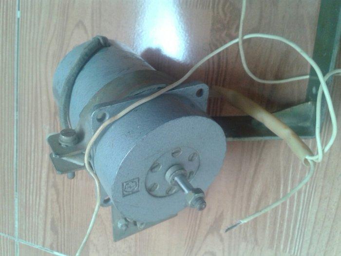 Sumqayıt şəhərində 12 voltluq xırda həcimli mator işləkdi,sovet malıdı keyfiyyətli.