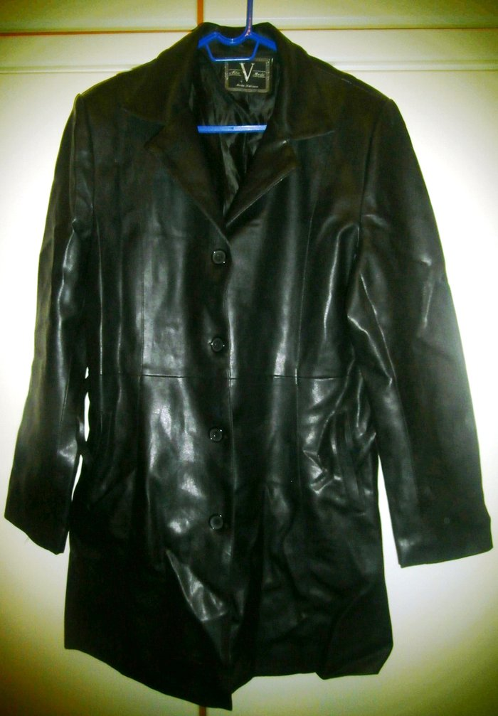 57a866cd3560 2 γυναικεία μαύρα δερμάτινα μπουφάν