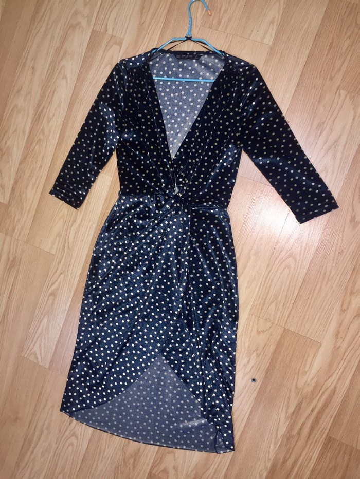 161fdae63c4 Продажа Продаю шикарное бархатное платье в горошек от ZARA за 1000 ...