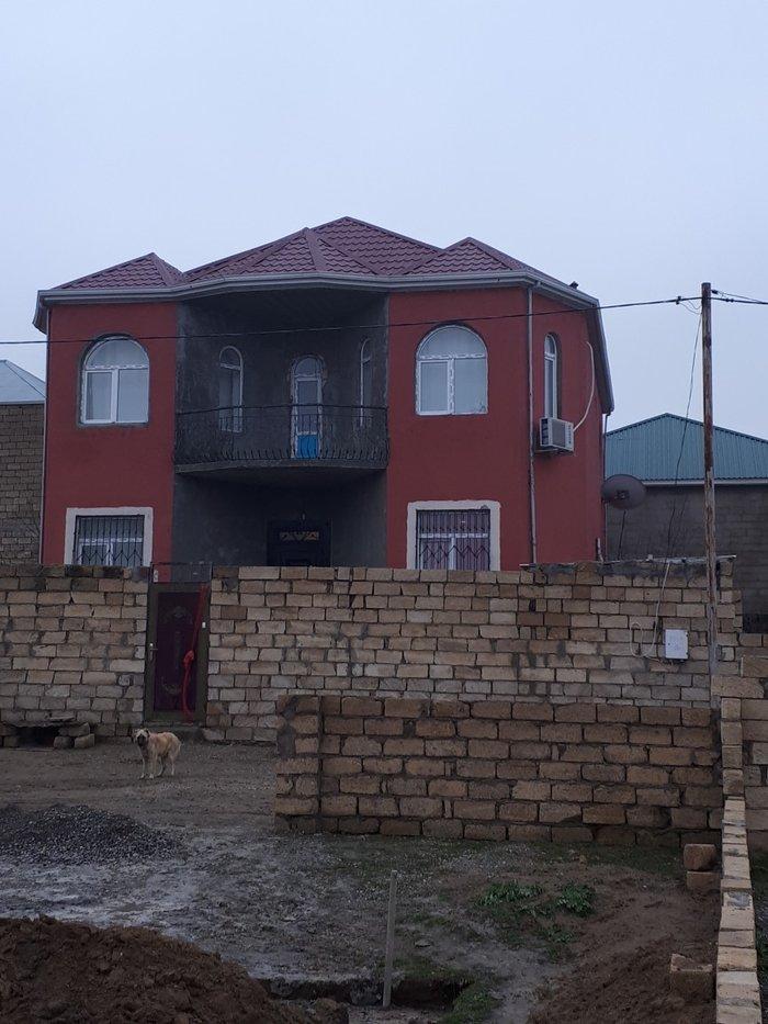 Sulutəpədə 4 sotun içindən 2 mərtəbə və mansarı olan villa. Photo 1