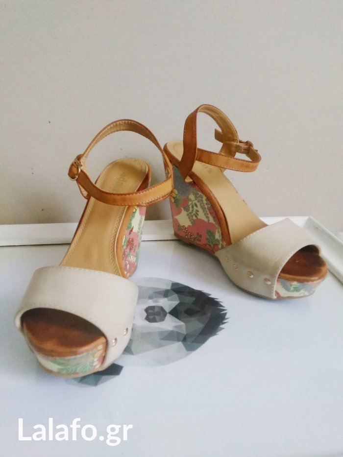 Adams shoes υπερκομψες πλατφορμες με φλοραλ τακουνι
