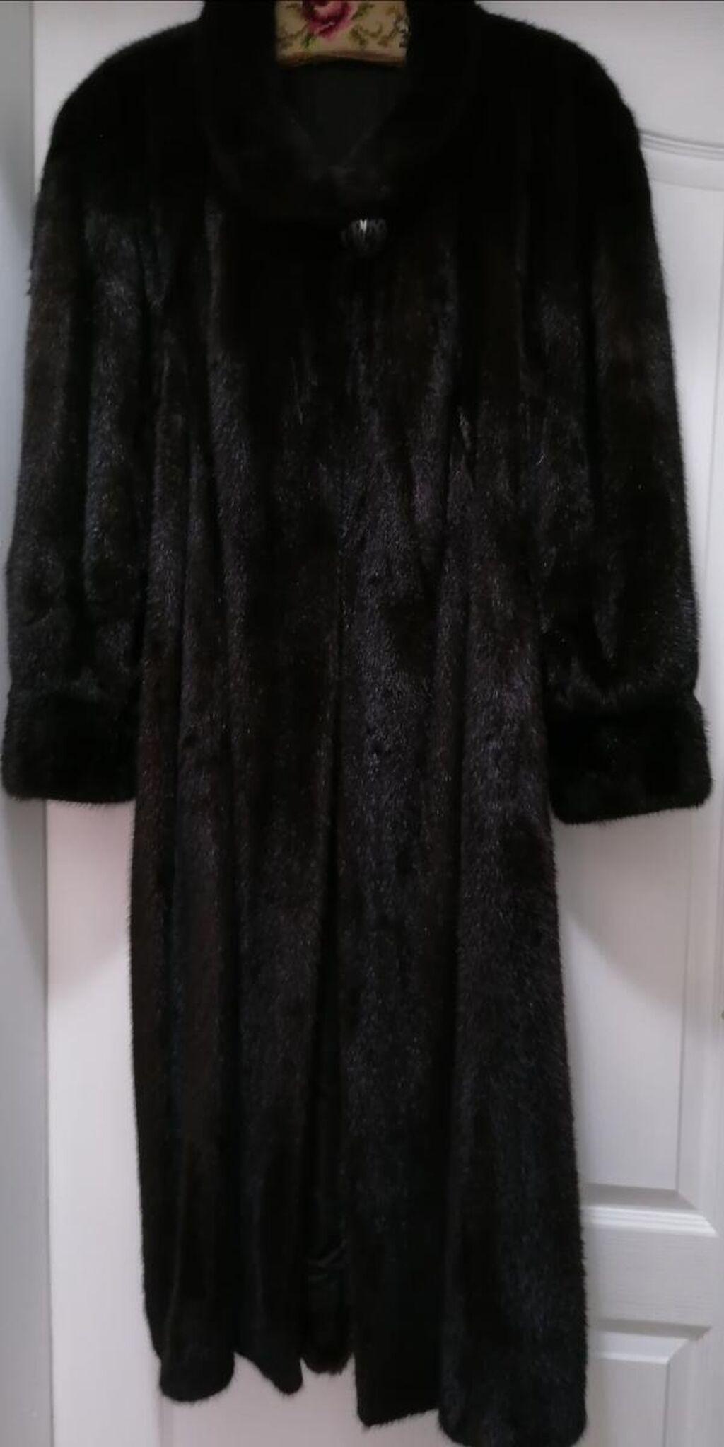 Duga, crna bunda od NERCA. Očuvana skroz, kao nova!