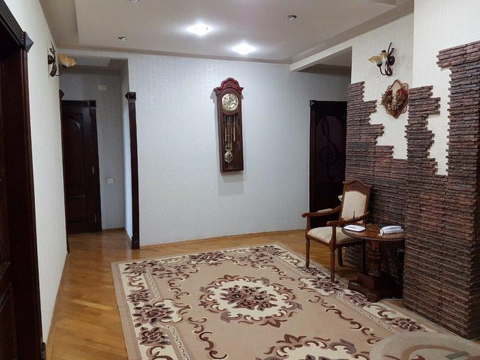 Mənzil satılır: 4 otaqlı, 158 kv. m., Bakı. Photo 1