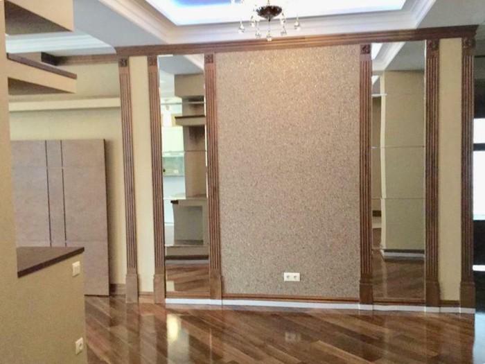 Продается квартира: 4 комнаты, 250 кв. м., Бишкек. Photo 5