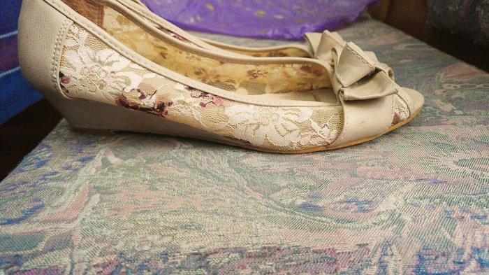 Sandalice bez boje sa cveticima_broj 37 - Beograd