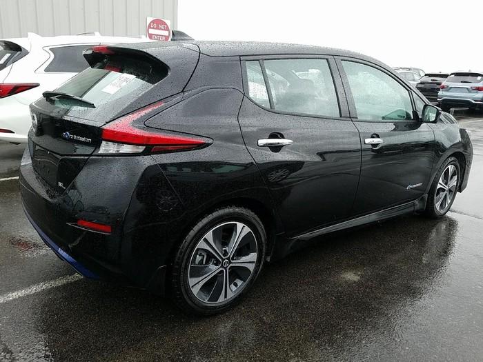 Nissan Leaf 2018. Photo 1