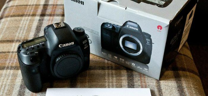 Νέα σφραγισμένη μηχανή Canon eos 5d Mark iv camera dslr σε Αθήνα