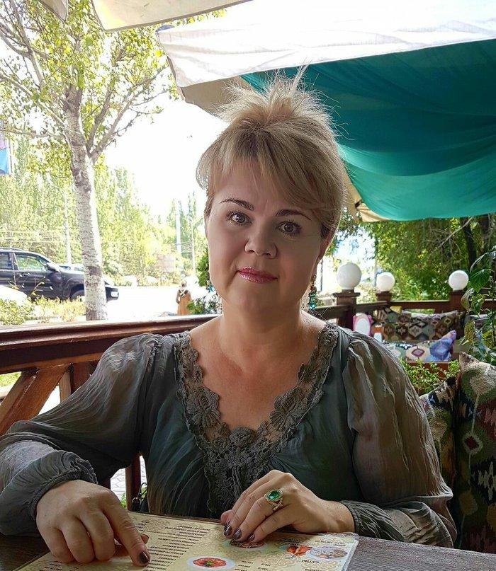 очень нужна работа  45 лет живу в 6 микро в Бишкек