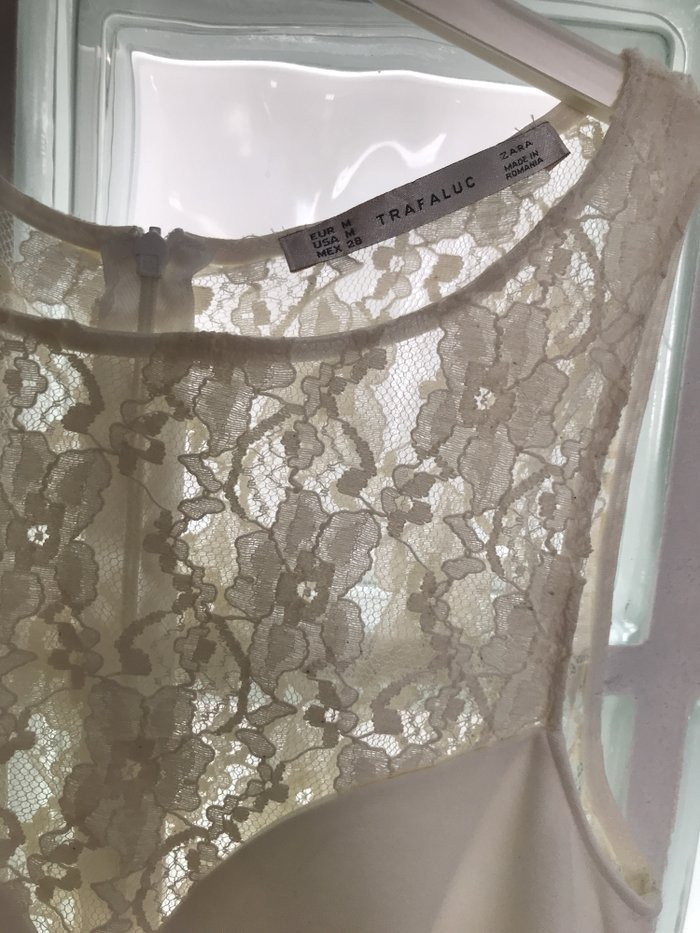 ZARA, λευκο φορεμα με δαντελα, σαν καινουριο, μεγεθος Μ .  Τιμη - 20€ . Photo 2
