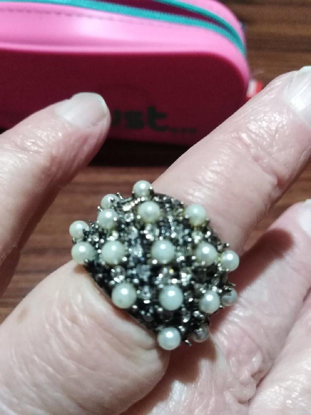 Srebrni prsten sa biserima veličina 16