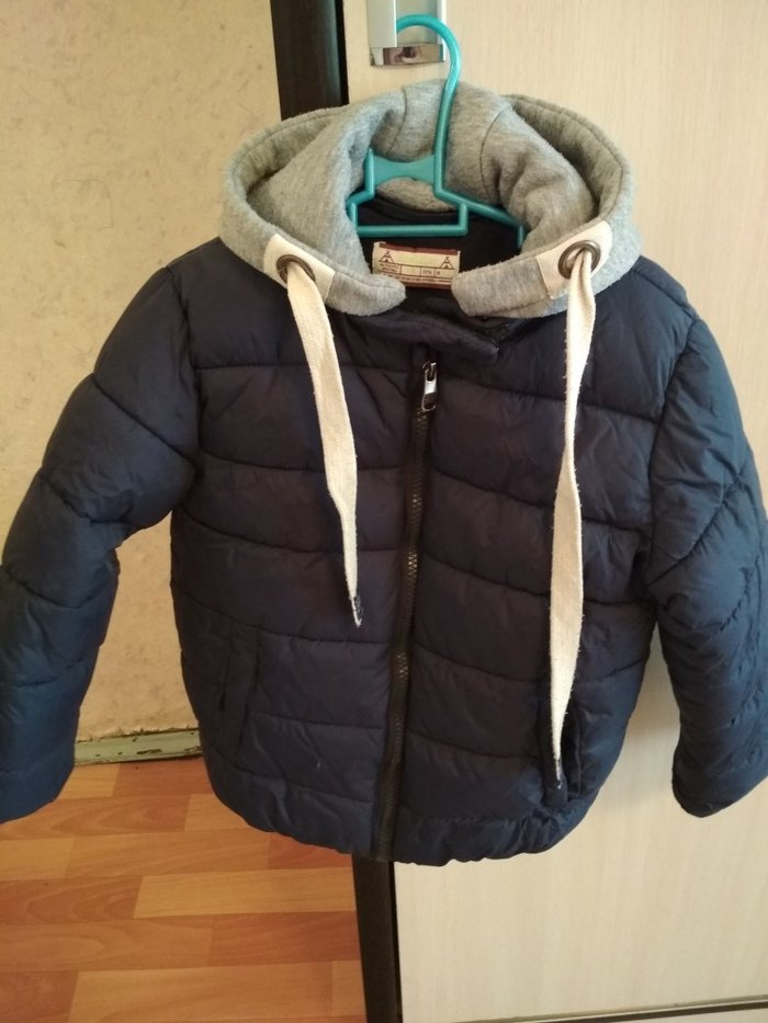 Продаю куртку зима на мальчика 4-5лет в Лебединовка