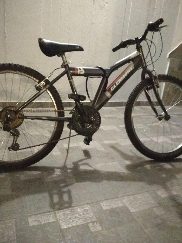 Ποδηλατο πολης ελαφρά μεταχηρισμενο  με αλυσίδα ποδηλάτου και Σταν τηλ