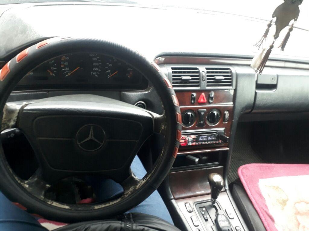 Mercedes-Benz E 230 2.3 л. 1997 | 409180 км: Mercedes-Benz E 230 2.3 л. 1997 | 409180 км