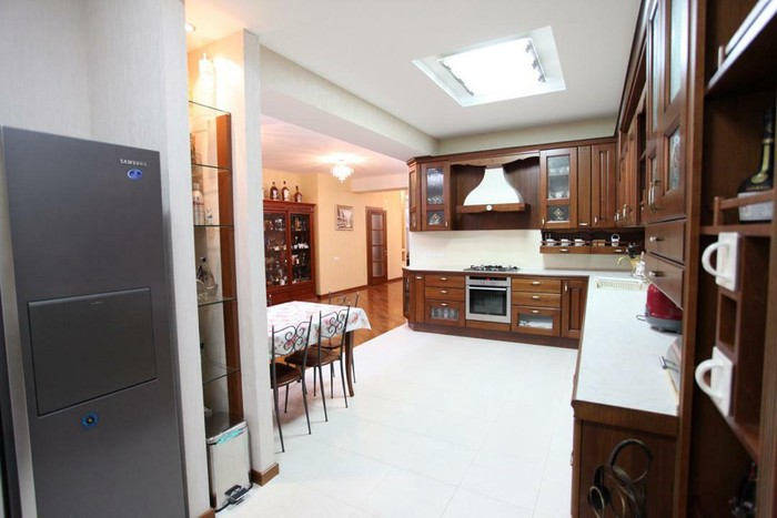 Продается квартира: 5 комнат, 300 кв. м., Бишкек. Photo 8
