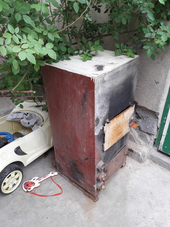 Котел  для твердого топлива и электрика  б/у Рабочий ) район Кызыл Аскер,самовывоз  мини торг