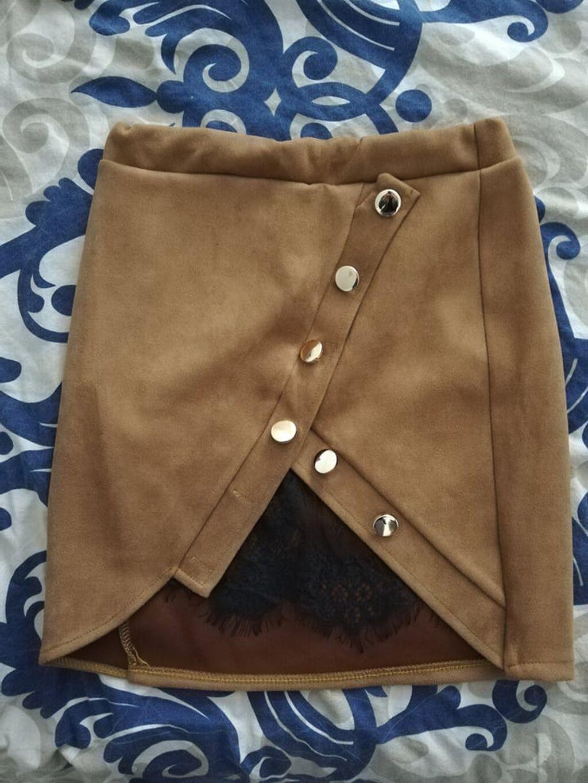 Suknja, braon, sa zlatnim dugmicima i crnom cipkom