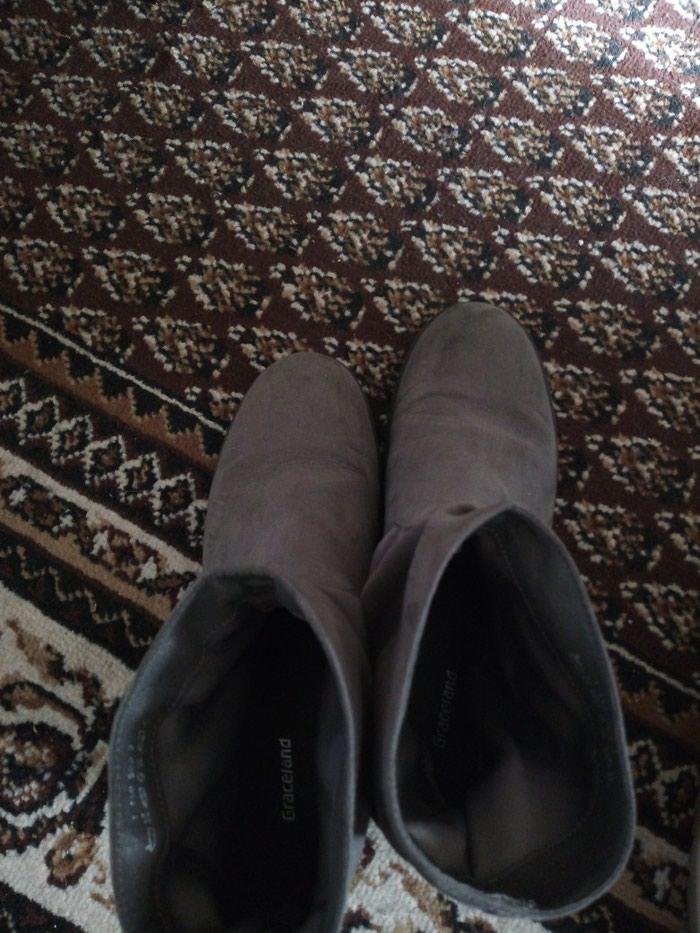 Ženske čizme. Photo 1