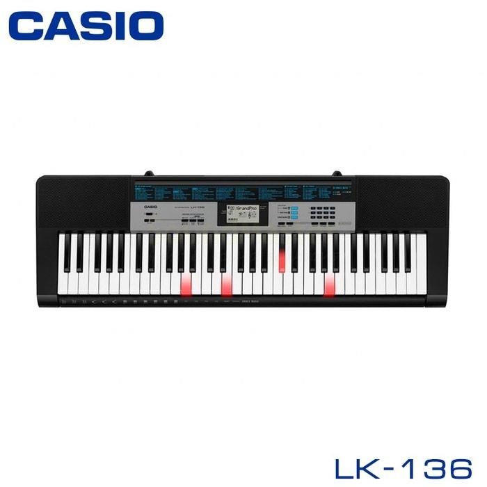 Синтезатор Casio LK-136— это портативный синтезатор, который прекрасно подходит для начинающих музыкантов, благодаря простой и понятной системе управления и пошаговой системе обучения