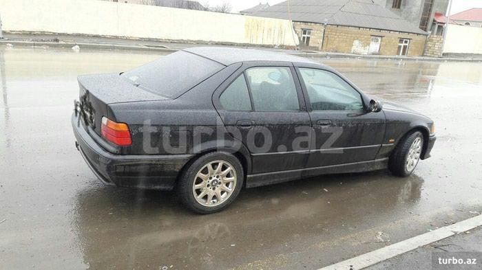 BMW 320 1997. Photo 1