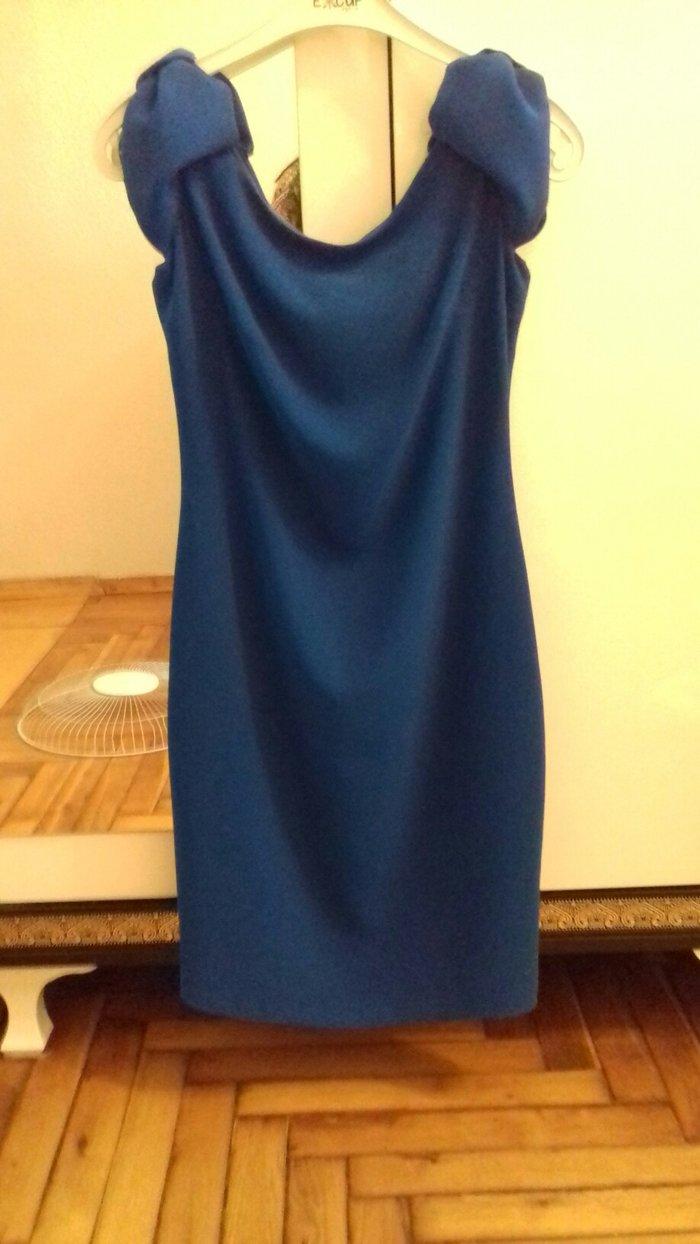 Bakı şəhərində Cox qozel bir elbise qollari bantik