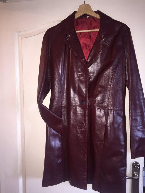 SAVRSENA kozna jakna moderna i skoro nova