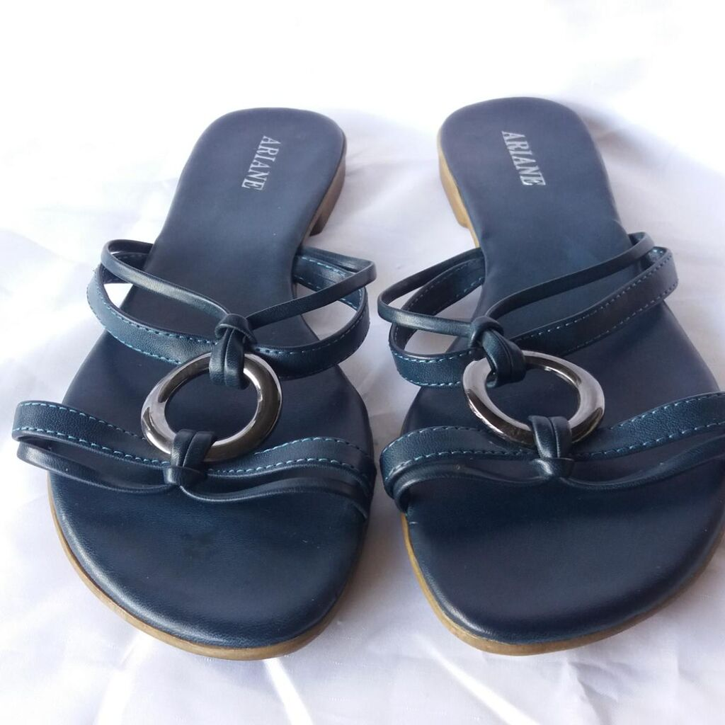Sandale broj 38 Ocuvane
