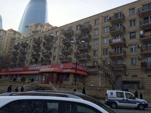 """Bakı şəhərində Zaur Amrahov """"İdeal-House""""MMC"""