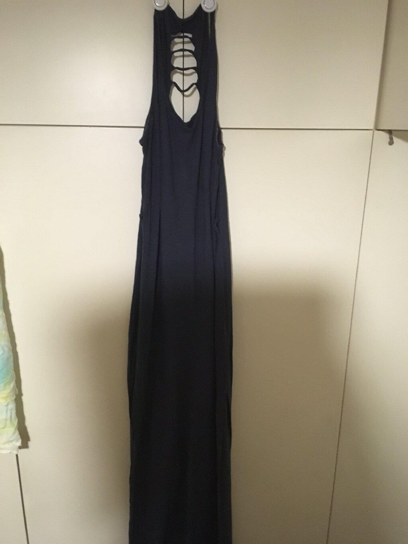 Μακρύ φόρεμα ναυτικού με διασταυρούμενη πλάτη