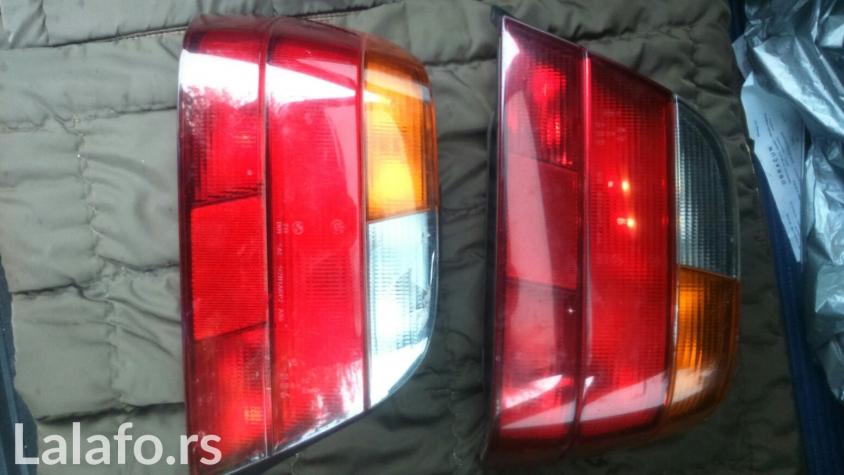 Odajem kompletne stop lampe sa sijalicama za bmw e38, leva lampa napukla zaštitno staklo, desna kao nova sve zajedno ide po ovoj ceni