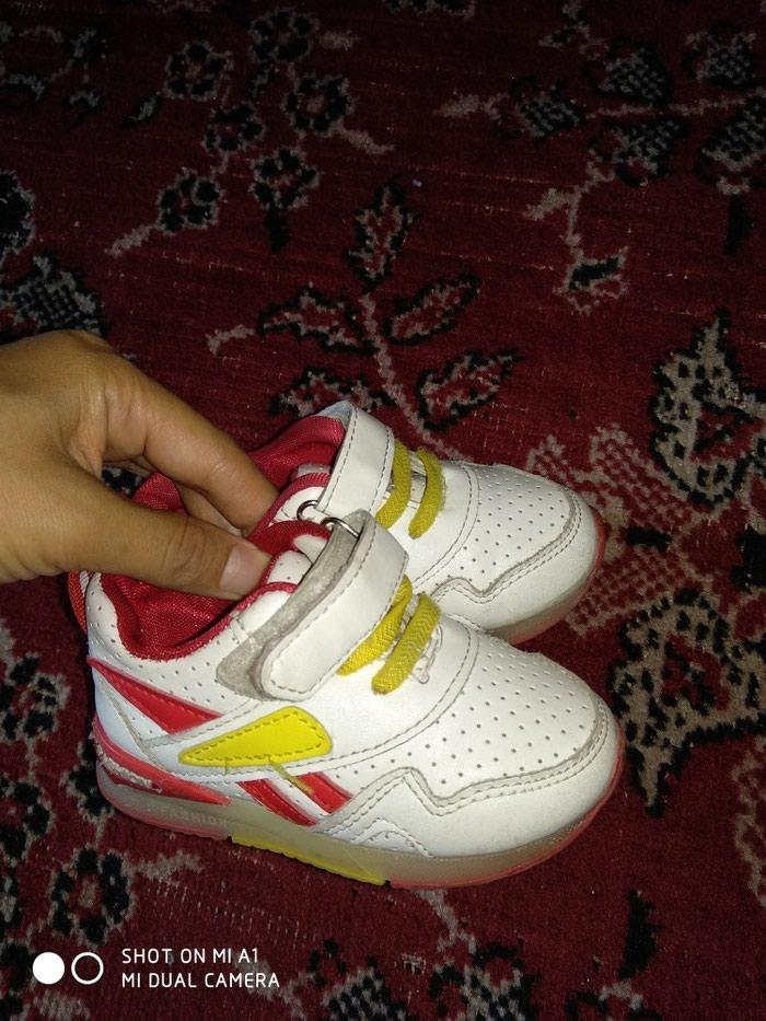 Детские кроссовки, 22 размер, в хорошем состоянии в Бишкек