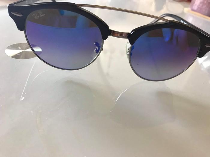 Ray ban γυαλί ηλίου σε άριστη κατάσταση , Αγορασμένο 180€. Photo 0