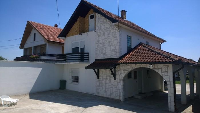 Na prodaju kuca u mladenovcu, bez ulaganja, odmah useljiva, povrsine - Beograd