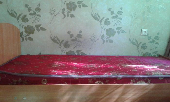 Продаю почти новые две кровати по 3500 сом. Обращаться по телефону . Photo 2
