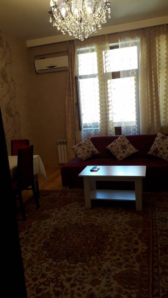 Mənzil satılır: 2 otaqlı, 80 kv. m., Bakı. Photo 3