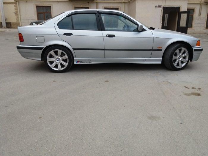 BMW 318 1997. Photo 3