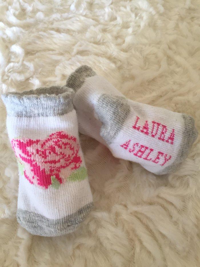 Laura Ashley shoe socks. 0-6 months. 2 αφορατα. . Photo 2