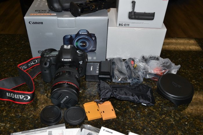 Canon EOS 5D Mark III camera with EF 24-105mm F4L IS USM Lens. in Kathmandu
