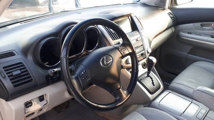 Lexus . Photo 0