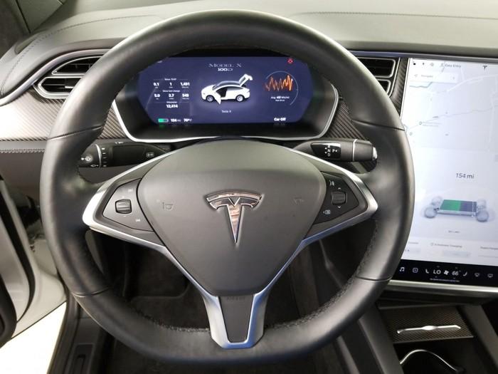 Tesla 2017. Photo 6