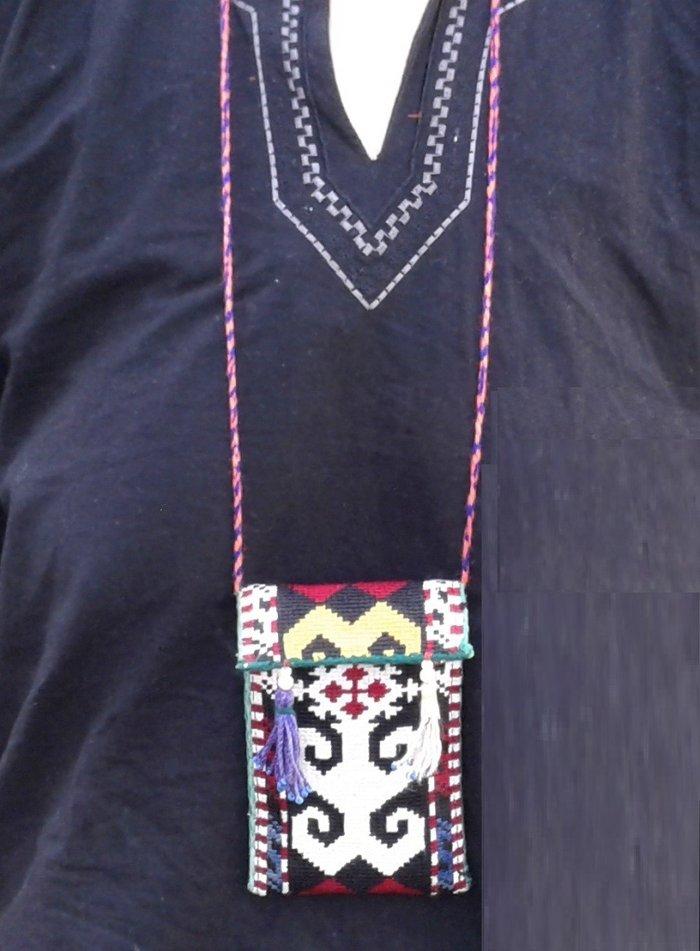 Чехлы для телефонов в национальном стиле. полностью ручная вышивка.. Photo 5