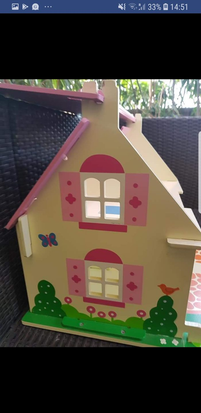 Bigjigs wooden carry along doll house, fully furnished! Very good. Photo 5