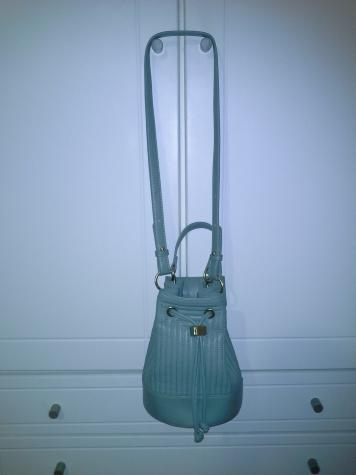 Oλοκαινουργια τσαντα ZARA bucket bag, με υψος 18 cm. Photo 0