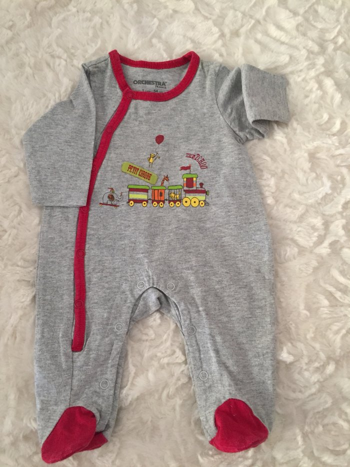 3 babygrows. 0-3 months. Very good condition. . Photo 3